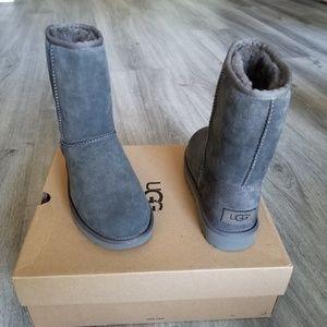 UGG Classic Short II Water-resistant Suede Boot.